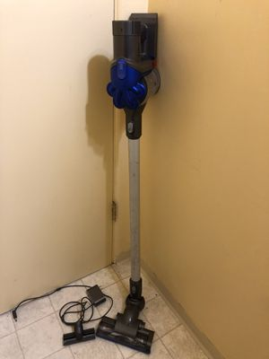 Dyson Cordless Vacuum Cleaner for Sale in Tacoma, WA