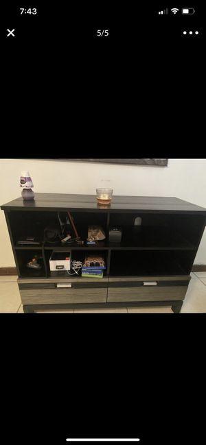 TV stand/ Dresser for Sale in North Miami, FL