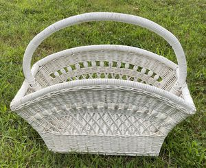 Vintage White Wicker BoHo Rattan Mid Century Magazine Book Knitting Rack Holder Shabby Chic Farmhouse Storage for Sale in Chapel Hill, NC