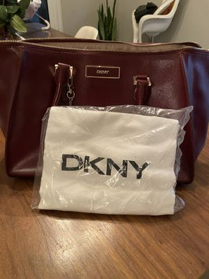 DKNY PURSE IN EXCELLENT CONDITION for Sale in West Covina, CA