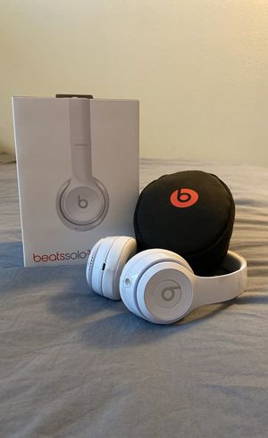 BEATS SOLO 3 WIRELESS HEADPHONES for Sale in Eau Claire, WI