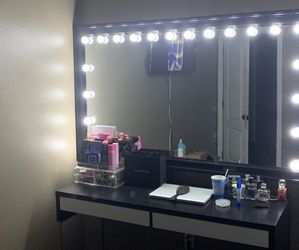 Vanity Mirror for Sale in Lake Oswego,  OR
