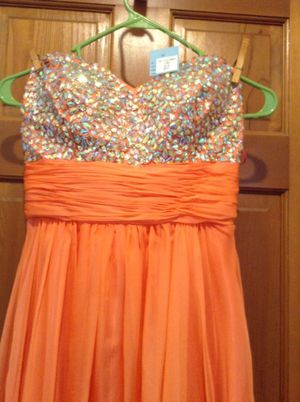 Coral prom dress size 8 for Sale in La Salle, MI