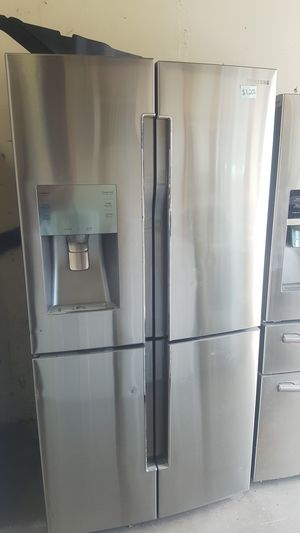 Flat Samsung stainless fridge for Sale in Lewisville, TX