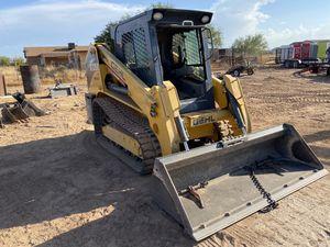 2016 Gehl RT250 skidsteer bobcat loader for Sale in San Tan Valley, AZ