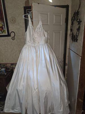 Wedding dress for Sale in Gilmer, TX