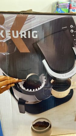 Keurig single serve and carafe coffe maker for Sale in Los Angeles,  CA