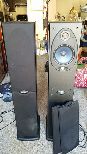Polk Audio RT10001 160W Floorstanding Pair 3-Way Powered Speakers built in Subwoofer Retail $1100 for Sale in Spring Valley, CA