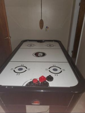 Air Hockey Table (Electric Scoreboard) for Sale in OH, US