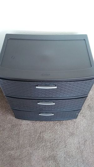 Used Sterilite plastic drawer. for Sale in Oakland, CA
