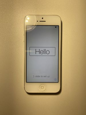 iPhone 5 - Silver - iCloud Locked for Sale in Moreno Valley, CA