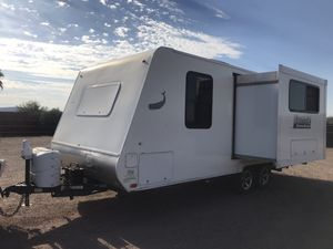 2015 Lance Camper Model 1995 for Sale in Mesa, AZ