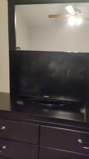 """Samsung Smart TV 27"""" for Sale in Winston-Salem, NC"""