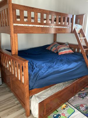 BUNK BED WITH 3 MATTRESSES for Sale in Deerfield Beach, FL