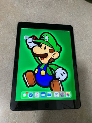 Ipad Pro 9.7 for Sale in Long Beach, CA