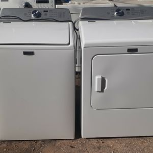 MAYTAG BRAVOS XL WASHER/DRYER ELECTRIC SET for Sale in Houston, TX