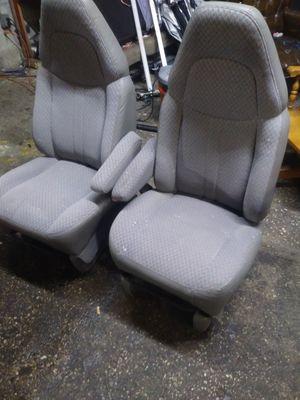 4 sale asientos Chevy express van 97 a2017con buenos for Sale in Dallas, TX