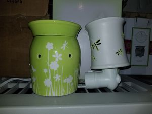 Scentsy Warmer and Plug in for Sale in Brighton, CO