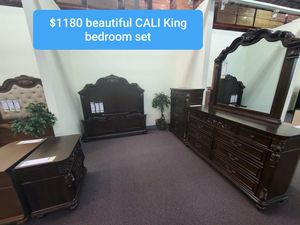 CaL KiNg BeDrOoM SeT for Sale in Phillips Ranch, CA