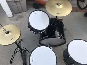 4 piece Groove Percussion drum set for Sale in Monterey Park, CA