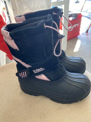 Snow boots for girl size 13 for Sale in Laveen Village, AZ