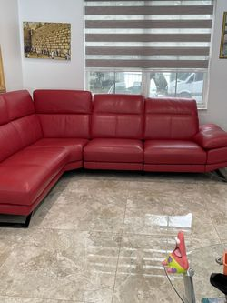 Red Leather Sectional Sofa . Electric , {url removed} Dorado for Sale in Fort Lauderdale,  FL