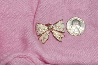 Bow Brooch Pin for Sale in Dunwoody,  GA