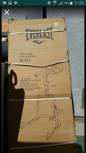 New! Still in the BOX. Everlast: heavy and speed bag combo stand for Sale in Stockton, CA