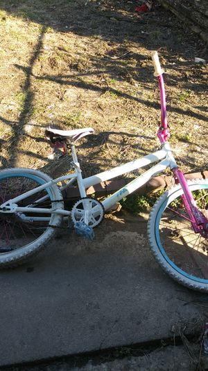 Girls Huffy Butterfly Bike for Sale in St. Louis, MO
