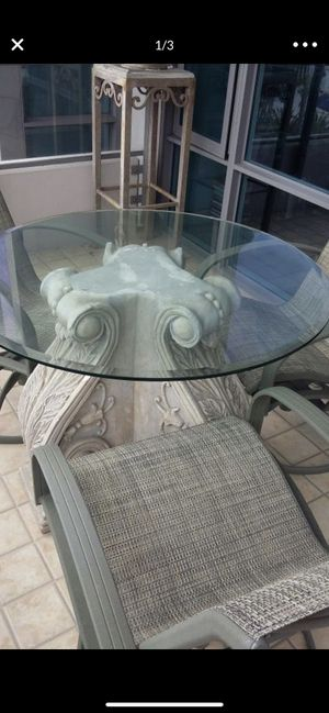 Patio furniture 4 chairs can be rocked for Sale in San Diego, CA