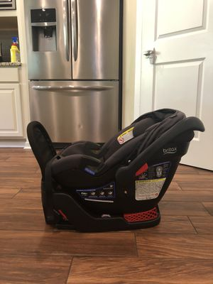 Britax B-Safe Ultra Car seat(s) with base for Sale in Bothell, WA