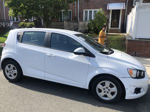 2014 Chevy sonic lt for Sale in Queens, NY