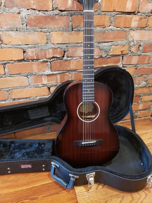 Samick Parlor Acoustic Guitar + Hard case! for Sale in Bethel Park, PA