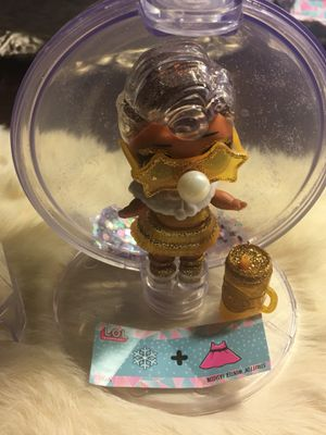 NYEQT Winter Globe Lol for Sale in Dayton, TX