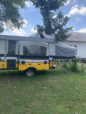Coleman Evolution 7 pop camper for Sale in Dallas, TX