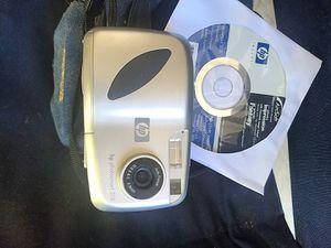 HP digital camera with nice bag for Sale in Marietta, GA