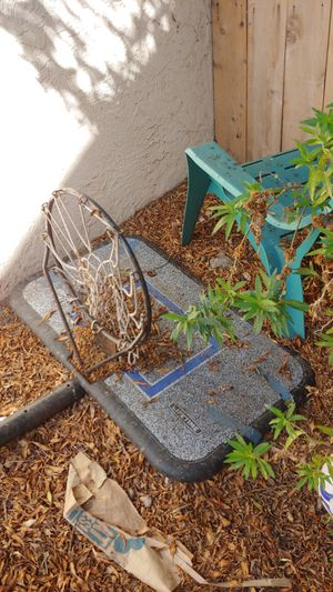 Used beat up basketball hoop for Sale in San Diego, CA
