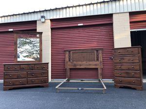 Full Size Bedroom Set With Nightstand for Sale in Woodbridge, VA