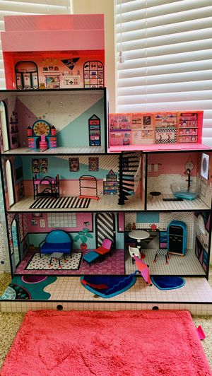 Lol Surprise Doll House & Display Case/Pop Up Store for Sale in Gilbert, AZ