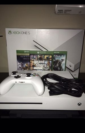 xbox one s with wireless controller for Sale in Downey, CA