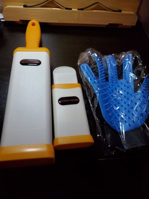 Pet hair remover brush for Sale in Long Beach, CA