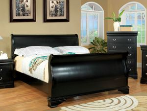 Ashley queen size sleigh bed for Sale in Milwaukee, WI