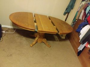 Kitchen table with middle leaf for Sale in Lexington, KY