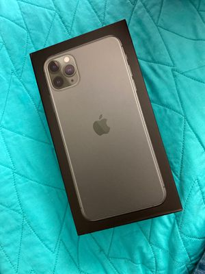 IPhone 11 Pro Max 64 GB midnight green for Sale in Marietta, GA