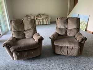 FREE RECLINERS for Sale in Varna, IL
