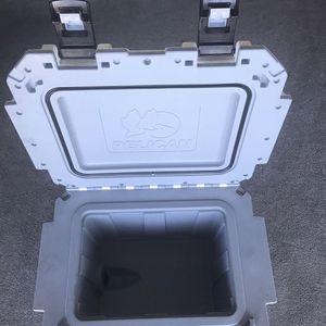 Pelican ProGear 30-Quart Elite Cooler for Sale in Camp Pendleton North, CA