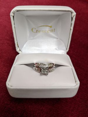 Diamond engagement and wedding ring set for Sale in Hesperia, CA