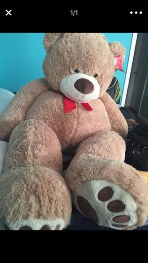 Giant Teddy Bear for Sale in Manassas, VA