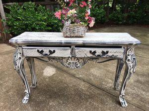 Refinished distressed gorgeous entry table for Sale in Mooresville, NC