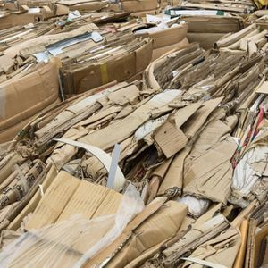 FREE Cardboard - hundreds of pounds for Sale in Gardena, CA